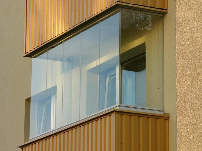 Безрамное остекление балконов и лоджий: плюсы и минусы финск.